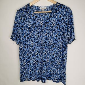 Tradition   Vintage Blue and White Floral T-shirt